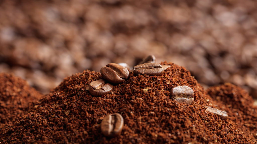 ground coffee vs whole coffee beans