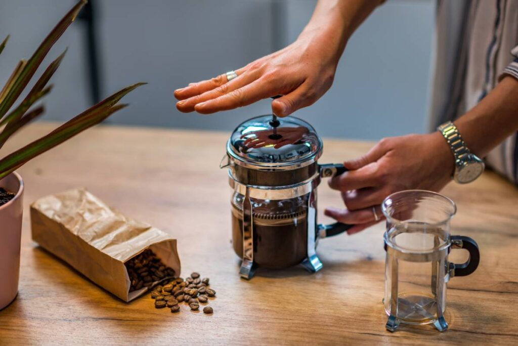 How does a french press coffee maker work?