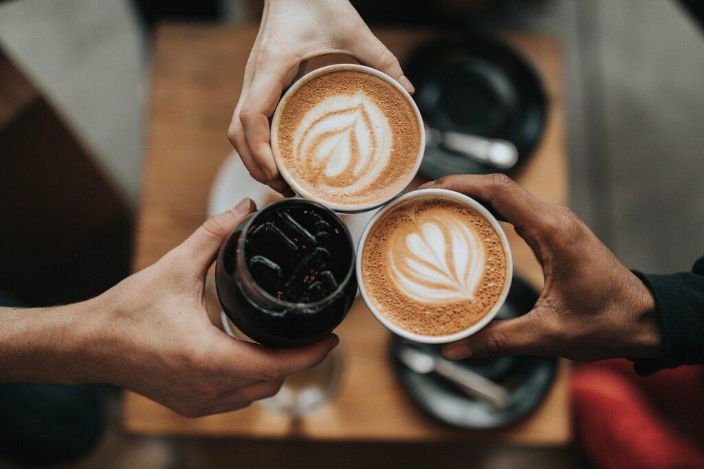 clinking americano and espresso drinks - difference between americano and espresso