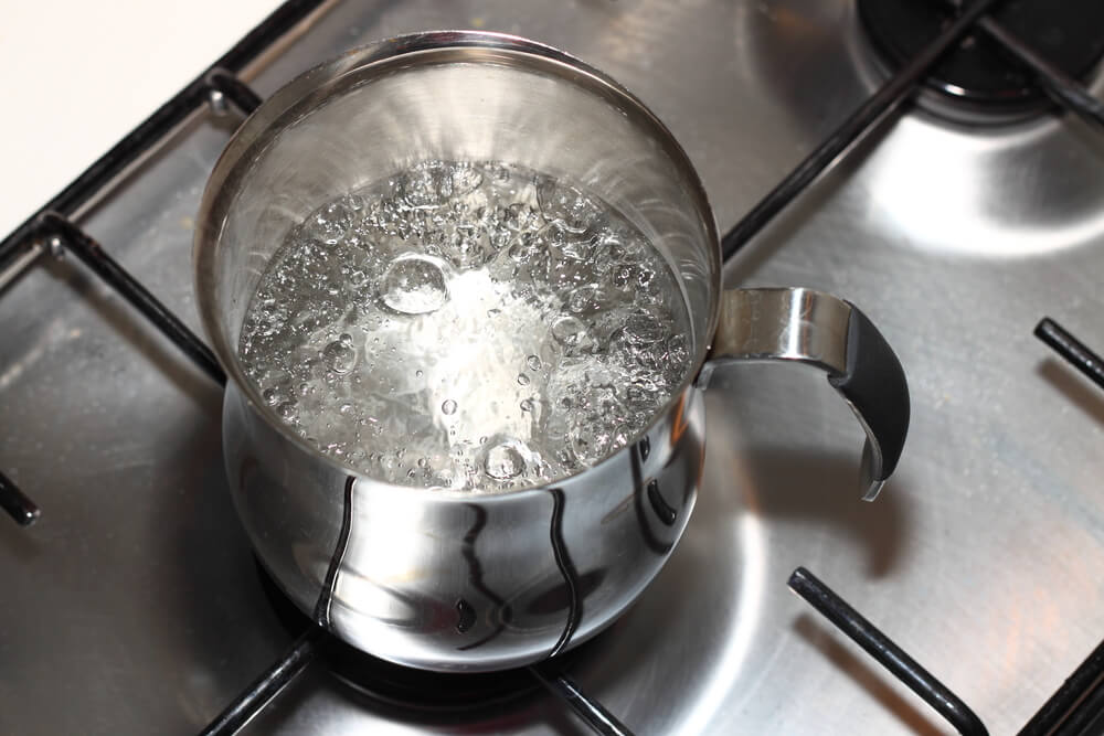 boing water in a stovetop