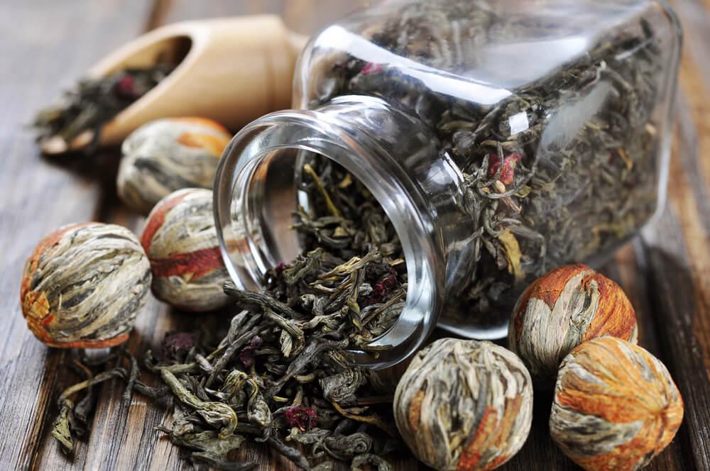 how to use a tea ball