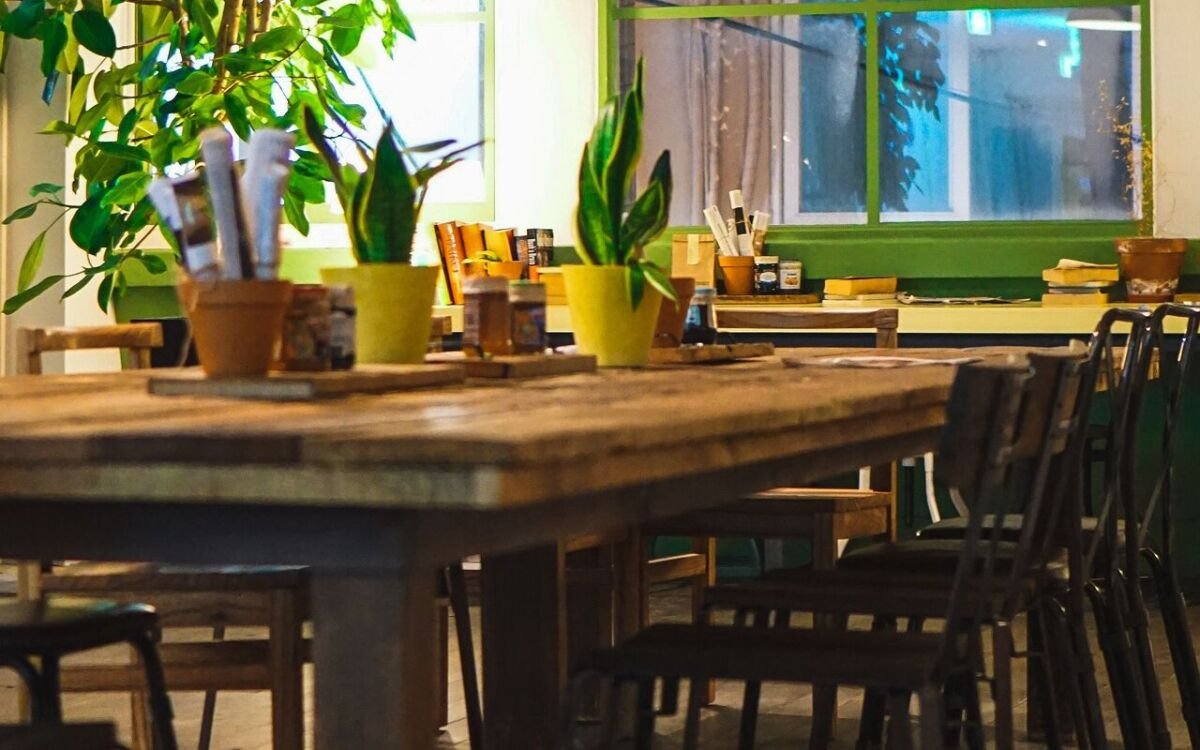 coffee shop, tables, chairs