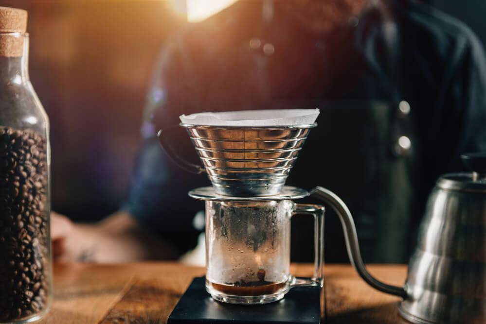 Using kalita when brewing coffee.
